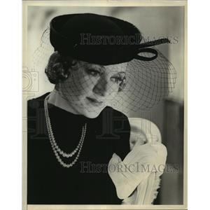 Press Photo Actress Billie Burke at a Hollywood function - sbx01173