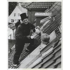 1983 Press Photo Chimney Sweep in Copenhagen, Denmark - ftx02413