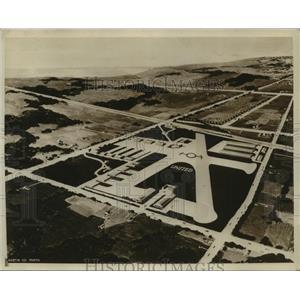 Press Photo Model airport construction at Burbank California - sbx01054