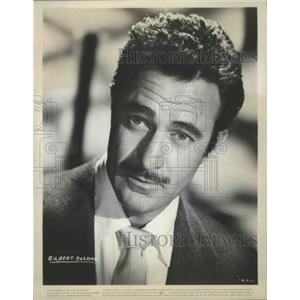 Press Photo Actor Gilbert Roland in a Warner Brothers film - sbx01452