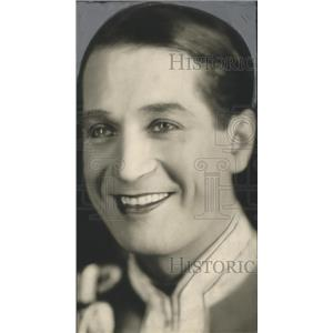 Press Photo French actor Maurice Chevalier to perform - sbx01504