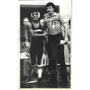 1981 Press Photo Mike Dotson-Wrestler and His Coach Readiy for Match - sps02754
