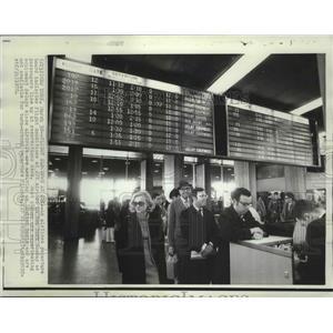 1970 Press Photo View of passengers waiting at JFK Airport in New York.