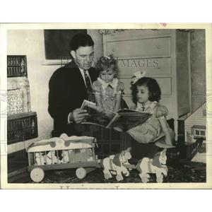 1939 Press Photo NY Giants manager Mel Ott & daughters Lyn & Barbie - sbs04313