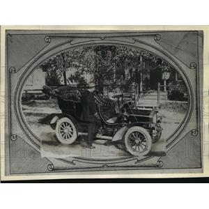 1910 Press Photo Joe Blake with Runabout in Menomonee Falls - mja59294
