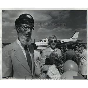 1976 Press Photo William Chester Jr., around the world pilot & wife Priscilla