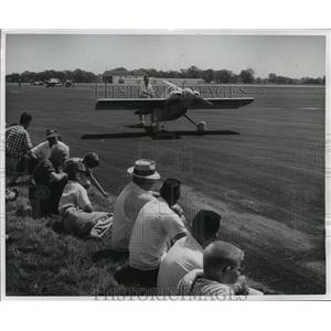 1966 Press Photo Midget racer on runway at Winnebago County Airport, Oshkosh, WI