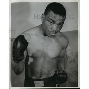 1946 Press Photo Boxer Cecil Hudson - mja56454