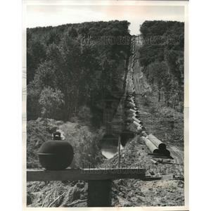 1921 Press Photo Michigan-Wisconsin Pipe Line Across the Wisconsin Countryside