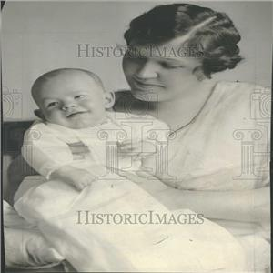 1916 Press Photo Mrs Gray B Bray With Her Son