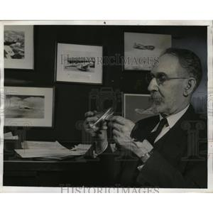 1941 Press Photo Dr. Sanford A. Moss General Electric Eng. invented supercharger