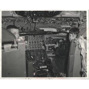 1968 Press Photo Driver's Seat in the cockpit of KC-135 Stratotanker