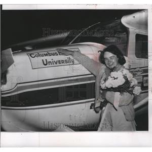 1964 Press Photo Mrs. Jerrie Mock after completing her record flight - mja73720