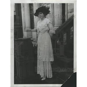 1914 Press Photo Miss Genevieve Clark James Thompson