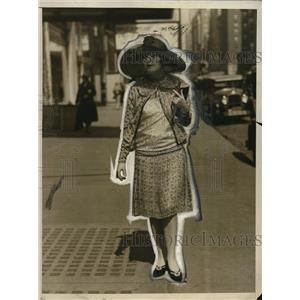 1927 Press Photo La Jeunesse Chiffon Print & Lace ensemble  - neo12987